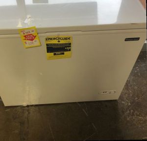 Magic Chef Freezer HMCF7W4 T8LI for Sale in City of Industry, CA