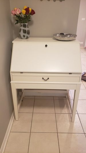 Secretary desk / hutch / entry table for Sale in Northbrook, IL