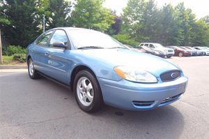 2007 Ford Taurus 163000 miles , nice car for Sale in Chantilly, VA