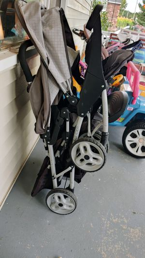 Graco duo glider double stroller for Sale in Lawtons, NY