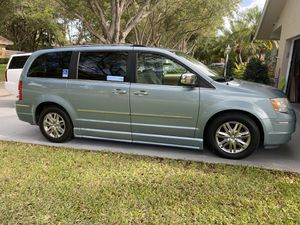 2008 Chrysler Town & Country LTD wheelchair conversion for Sale in Miami, FL