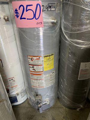 Water heater 50 galones 1 año de garantía for Sale in Los Angeles, CA