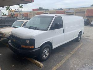 2005 Chevrolet Express 2500 work van for Sale in Hialeah, FL