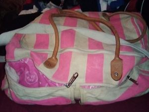 Pink duffle bag 15$ for Sale in Stockton, CA