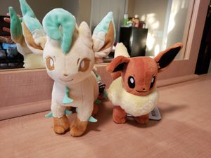 Leafion Eevee plush set for Sale in Clermont, FL