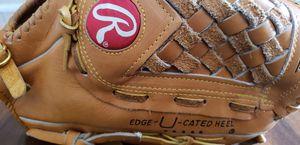 "13"" Baseball Glove for Sale in Las Vegas, NV"