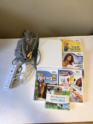 Nintendo wii system with games for Sale in DeKalb, IL