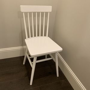 White Wooden Chair for Sale in Bellevue, WA