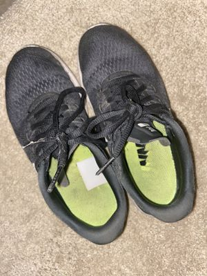 Well Worn Nike Trainers Size 5 for Sale in Elk Grove, CA