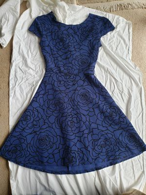 Small dress with criss cross back for Sale in Bellevue, WA