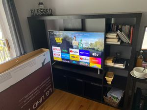TV unit and LG smart TV for Sale in Chicago, IL