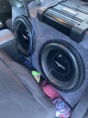 2 skars 12 inch subwoofers in box for Sale in Tampa, FL