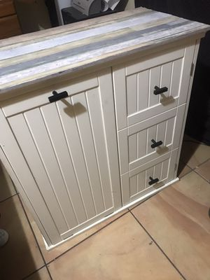 Free standing laundry cabinet for Sale in Glendale, AZ