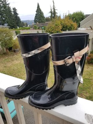 Burberry Womens black rain boots. 100% Authentic! Made in Italy. Brand new never used! Size 37 for Sale in Kirkland, WA