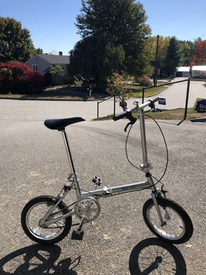 Roll n Fold bike with travel bag. for Sale in Dover, NH
