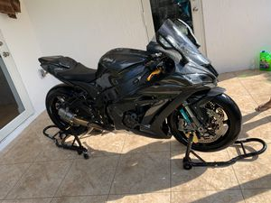 Kawasaki zx10rr full carbon fiber for Sale in Miami, FL