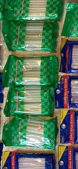 19 X Glue Sticks & 3 X Glue Guns for Sale in San Francisco,  CA