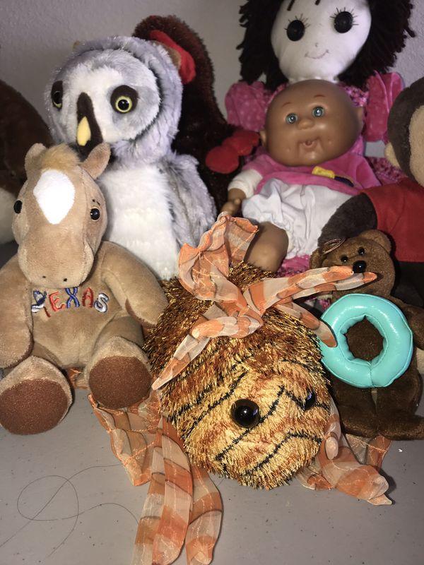 Stuffed animals and dolls