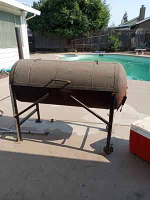 Bbq grill smoker for Sale in Atwater, CA