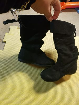 Tall pull on toddler girls black boots size 6 for Sale in Oak Lawn, IL