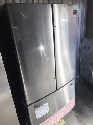 New stainless French door fridge for Sale in North Andover, MA
