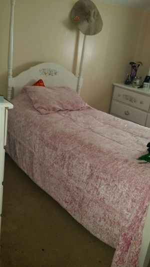 Princess twin bed for Sale in Dearborn, MI
