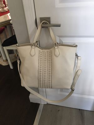 White purse for Sale in Browns Mills, NJ