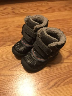 Snow boots size 7 boys or girls for Sale in Hawthorne, CA
