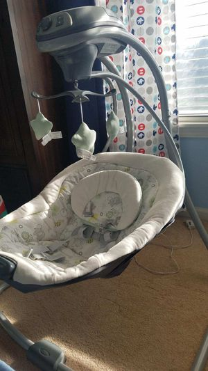 Grayco simple sway baby swing for Sale in Chicago, IL