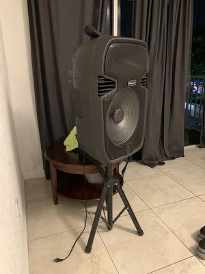 Equipo de música Bluetooth for Sale in Miami, FL