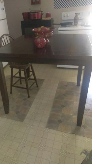 Nice kitchen table for Sale in Evansville, IN