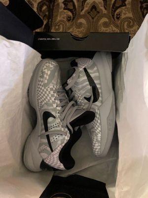 Nike Kobe 5 protro Zebra pe for Sale in Los Angeles, CA
