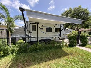 Travel Trailer 2018 Mint! for Sale in Hollywood, FL