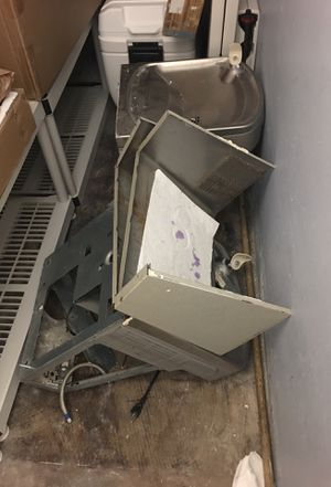 Metal water fountains and sink for free for someone who knows how to recycle for Sale in Denver, CO
