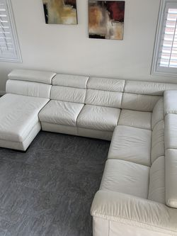 STYLISH NATUZZI SOLARE WHITE ITALIAN LEATHER SECTIONAL for Sale in Henderson,  NV