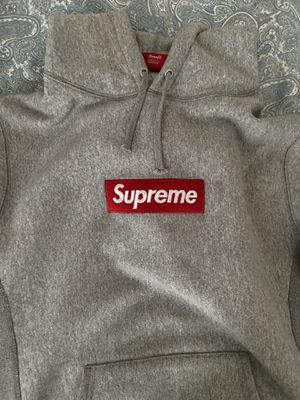 Supreme box logo hoodie for Sale in Manchester, MO