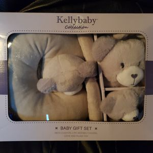 Baby Gift Set for Sale in Danbury, CT
