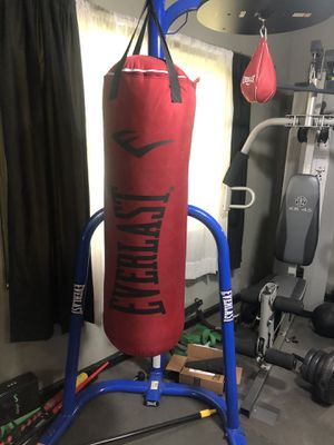 Everest Dual Station Heavy Bag Stand with 70Lb Bag Kit Bonus Speed Bag Boxing for Sale in Altadena, CA