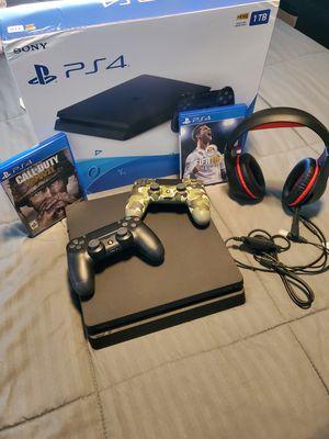PS4 - 1TB for Sale in Pompano Beach, FL