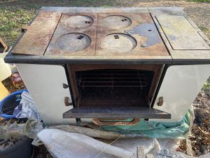 Old wood cook stove for Sale in Heaters, WV