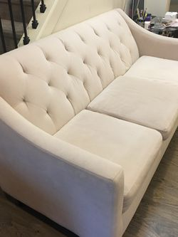 Cream Sofa Couch for Sale in Aloha,  OR