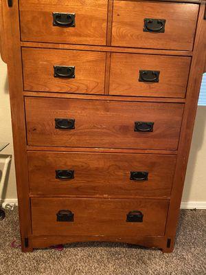 Wood dresser for Sale in Auburn, WA