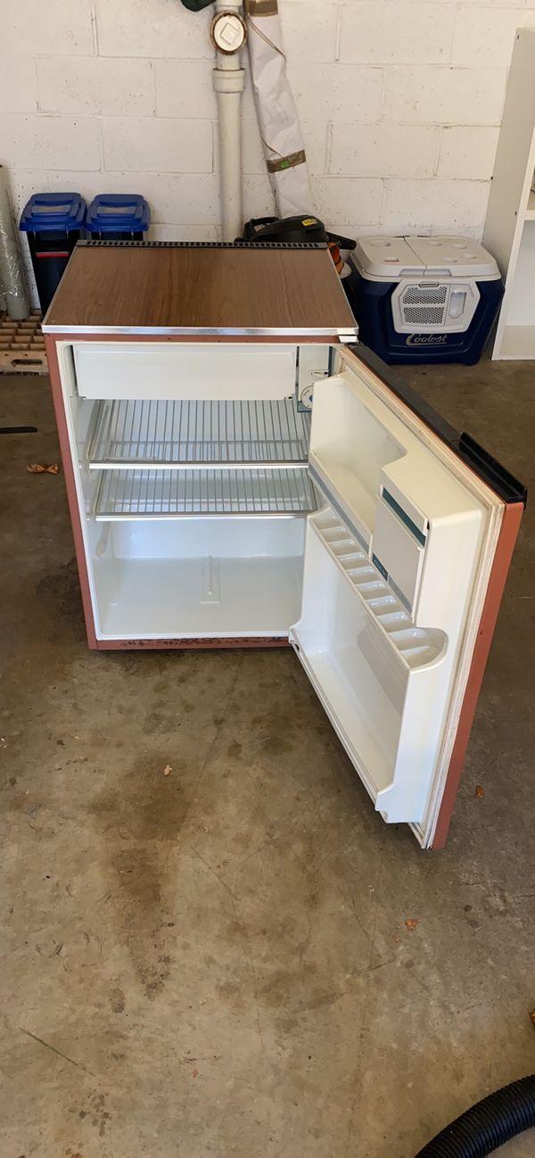 Coldspot Mini Refrigerator
