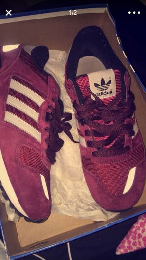 Adidas Size 8 1/2 in Men for Sale in St. Louis, MO