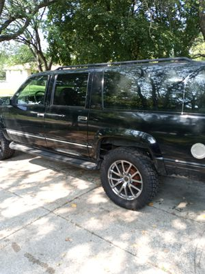 Selling my suburban reliable truck for Sale in Rockford, IL