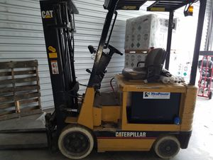 Forklift Caterpillar 5500lb. Electric for Sale in Port St. Lucie, FL
