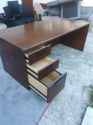 THREE DRAWER SOLID WOOD OFFICE DESKS for Sale in Tampa, FL