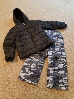 Snow clothes size 6 - 7 kids snow pants winter snow coat jacket digital camo for Sale in Gilbert, AZ