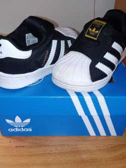 Adidas Size 6 for Sale in Normal,  IL