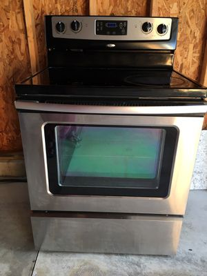 Whirlpool Electric Range in Stainless Steel for Sale in Columbus, OH